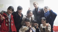 フェアリーズ 公式ブログ/井上理香子「今年2011年応援してくださった方!!ありがとぅございマシタ最後にKENZOさんとfairies」 画像1
