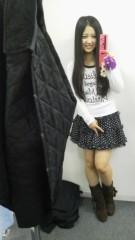 フェアリーズ 公式ブログ/井上理香子「なにかを見ているりかこ最近更新にずれがあってて点点・・・」 画像1