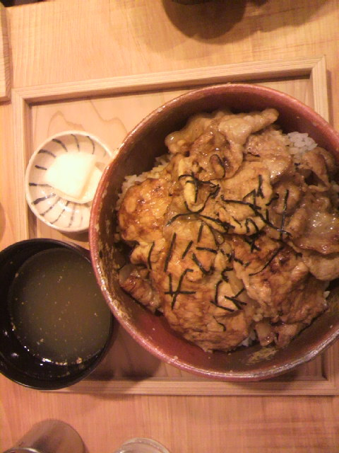 炭焼き豚丼