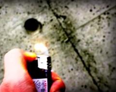 沖津賢一郎 プライベート画像/iPhone4Sで遊ぶ 100円ライターの火