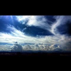 沖津賢一郎 プライベート画像/町並み お空はどうして青いの?