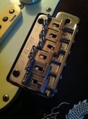 オーバービークル 公式ブログ/ギター部品交換 画像3