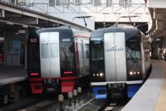 菱刈健人 プライベート画像/ひっし〜の鉄道アルバム館! 赤と青!