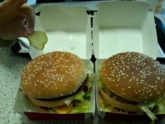 岡 梨紗子 公式ブログ/女2人でビックマック食らう。 画像1