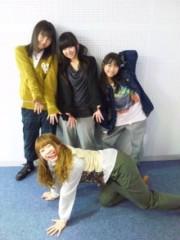 小田美夢 プライベート画像 4人でポーズ