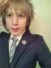 Hayato Nikaido(MASQUERADE) 公式ブログ/スーツ着た 画像1
