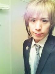 Hayato Nikaido(MASQUERADE) 公式ブログ/スーツ着た 画像2