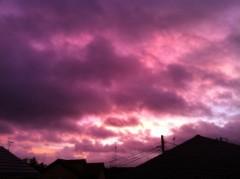 あずな 公式ブログ/真っ赤な朝。 画像1