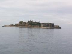 鬼塚忠 公式ブログ/廃墟。36年前までここに5千人の人が住んでいた軍艦島。 画像1