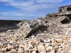 鬼塚忠 公式ブログ/廃墟。36年前までここに5千人の人が住んでいた軍艦島。 画像2