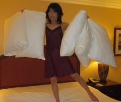 石川恵深 公式ブログ/5つの枕…&おやすみ 画像1