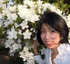石川恵深 公式ブログ/お庭の☆白いつつじ☆を見て(*^_^*) 画像1