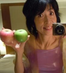 石川恵深 公式ブログ/赤いりんご…青いりんご… 画像1