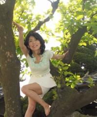 石川恵深 公式ブログ/お庭の新緑で… 画像3