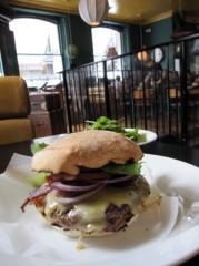 SAYUKI 公式ブログ/一人でハンバーガー 画像2