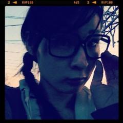KICO 公式ブログ/三つあみに黒メガネ。 画像1