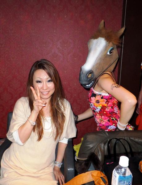 物真似芸人桜井ちひろさんと馬