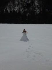 相川イオ 公式ブログ/雪の中でウエディングドレス♪♪ 画像2